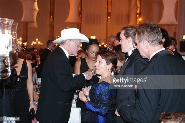 "Larry Hagman , Milka , Ball-Gäste, ""Unesco-Benefiz-Gala"", Neuss, Deutschland, ,"