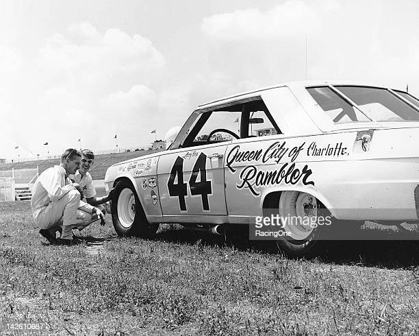 Prestige Auto Mart >> Larry Nascar Stock Photos and Pictures | Getty Images