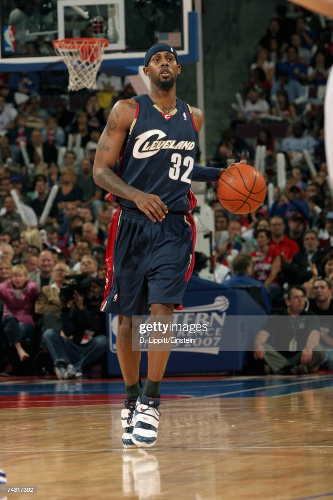 Larry Hughes #32 of the Cleveland Cavaliers moves the ball against the Detroit Pistons in Game One of the Eastern Conference Finals during the 2007 NBA Playoffs at the Palace of Auburn Hills on May 21, 2007 in Auburn Hills, Michigan. The Pistons won 79-76.