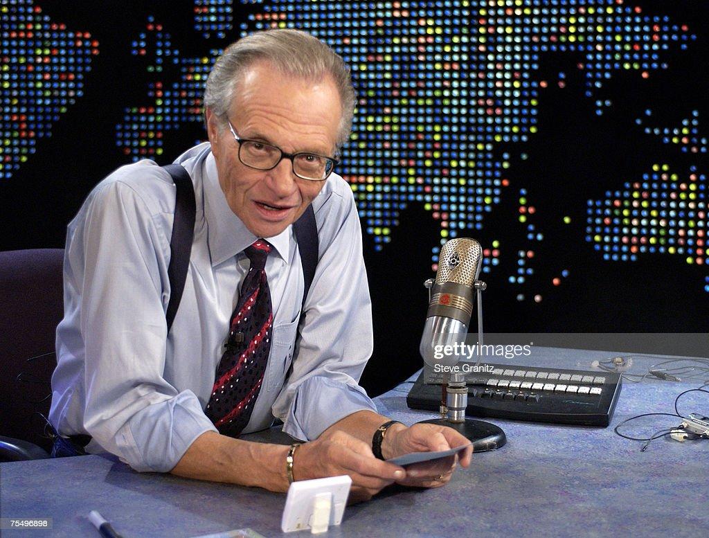"Bette Midler on ""Larry King Live"" : News Photo"