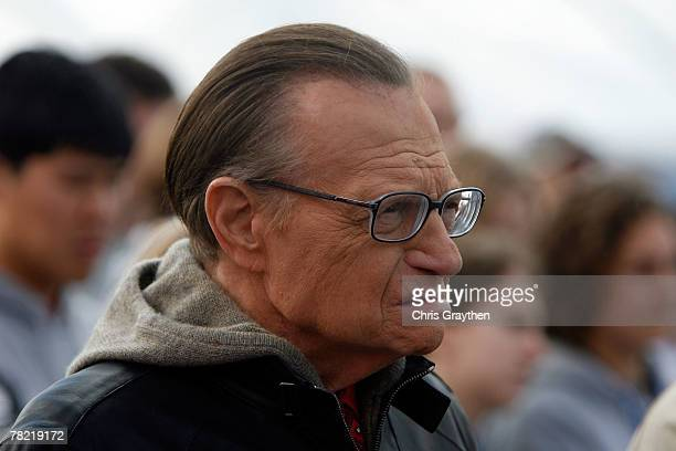 Larry King attends a press conference by actor Brad Pitt to unveil the site and design of his Make It Right program on December 3 2007 in the Lower...