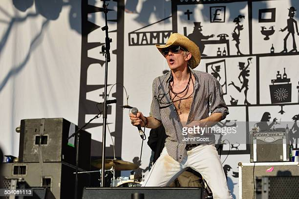 larry love, vocalist with english band alabama 3 - wickerman festival stock pictures, royalty-free photos & images