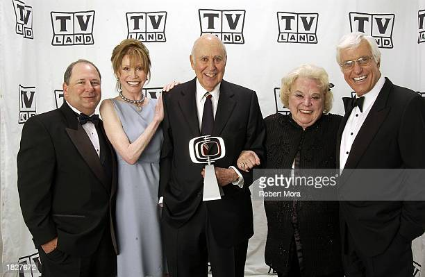 Larry Matthews Mary Tyler Moore Carl Reiner Rose Marie and Dick Van Dyke pose backstage at the TV Land Awards 2003 at the Hollywood Palladium on...