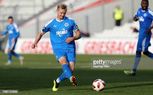 Lars Dietz of Lotte runs with the ball during the 3 Liga match between FC Energie Cottbus and VfL Sportfreunde Lotte at Stadion der Freundschaft on...