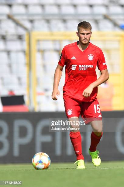 Lars Lukas Maiof Bayern Muenchen II plays the ball during the 3 Liga match between Bayern Muenchen II and SpVgg Unterhaching at Stadion an der...