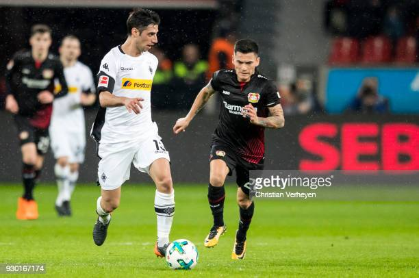 Lars Stindl of Borussia Moenchengladbach controls the ball during the Bundesliga match between Bayer 04 Leverkusen and Borussia Moenchengladbach at...