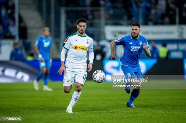 Lars Stindl of Borussia Moenchengladbach in action during the Bundesliga match between TSG 1899 Hoffenheim and Borussia Moenchengladbach at Wirsol...