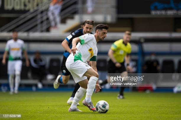 Lars Stindl of Borussia Moenchengladbach in action during the Bundesliga match between SC Paderborn and Borussia Moenchengladbach at BentelerArean on...