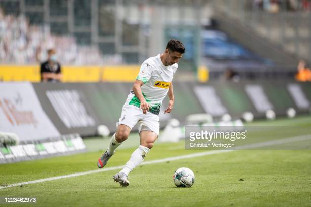 Lars Stindl of Borussia Moenchengladbach in action during the Bundesliga match between Borussia Moenchengladbach and Hertha BSC at BorussiaPark on...