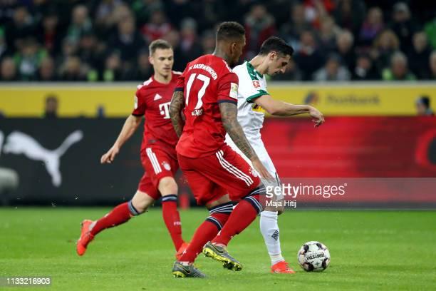 Lars Stindl of Borussia Monchengladbach scores his team's first goal during the Bundesliga match between Borussia Moenchengladbach and FC Bayern...