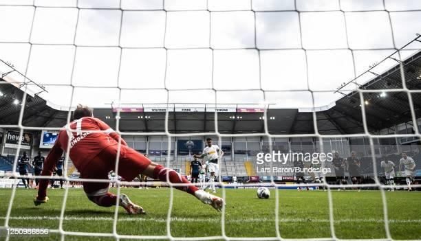 Lars Stindl of Mönchengladbach scores his teams second goal during the Bundesliga match between SC Paderborn 07 and Borussia Mönchengladbach at...