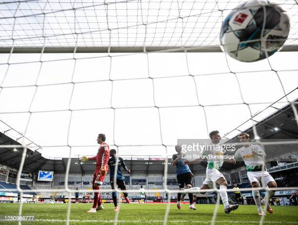 Lars Stindl of Mönchengladbach sdcores his teams third goal during the Bundesliga match between SC Paderborn 07 and Borussia Mönchengladbach at...