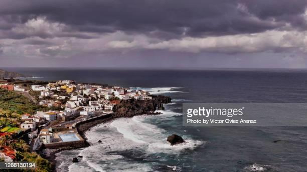 las aguas (san juan de la rambla) village on the north coast of tenerife island - victor ovies fotografías e imágenes de stock