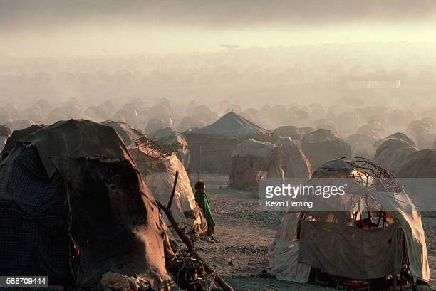 las dhure refugee camp - refugee stock pictures, royalty-free photos & images