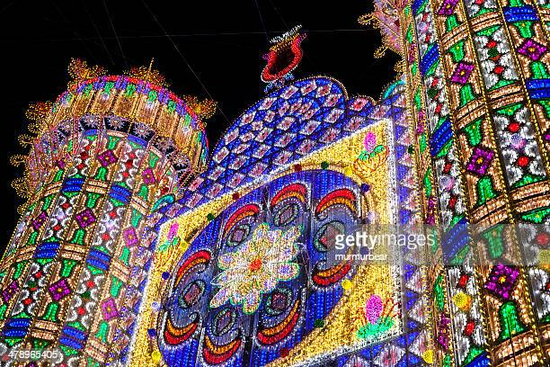 Las Fallas de iluminación en Las calles de Valencia