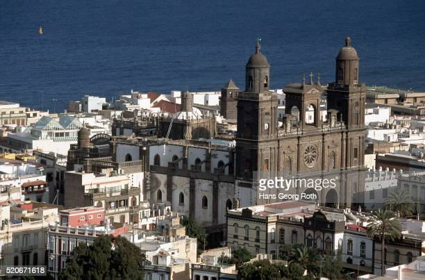 las palmas cathedral, canary islands - las palmas cathedral stock pictures, royalty-free photos & images