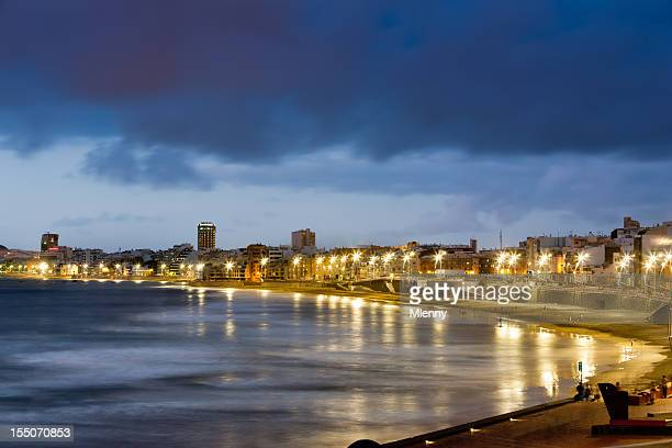 las palmas de gran canaria beach at night - las palmas de gran canaria stock pictures, royalty-free photos & images