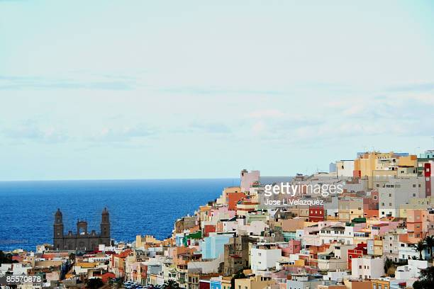 las palmas skyline - las palmas de gran canaria stock pictures, royalty-free photos & images