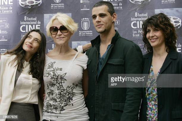 Spanish actors Angela Molina Antonia San Juan director Juan Carlos Falcon and Elvira Minguez poses during a presentation of 'La Caja' 21 March 2007...