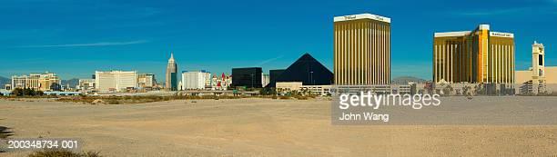 usa, las vegas, main casino strip - las vegas boulevard stock pictures, royalty-free photos & images