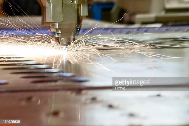 Laser-Metall-Schneiden CNC-tool in Betrieb