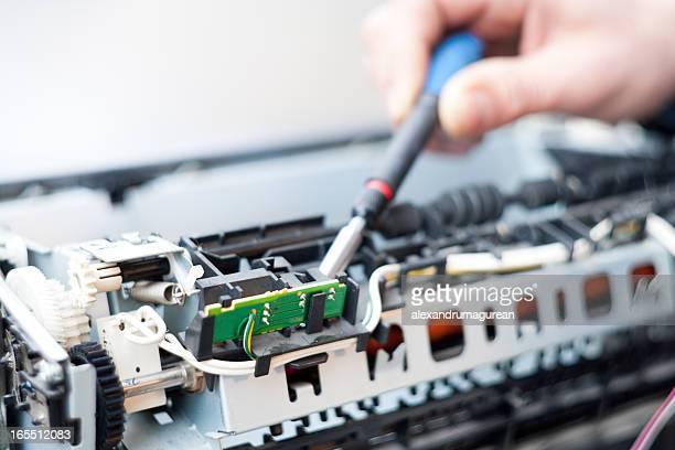 レーザープリンター修理工 - 印刷機 ストックフォトと画像