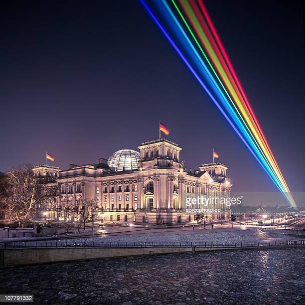 laser show - reichstag stock-fotos und bilder