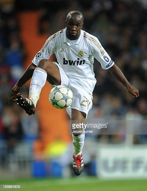 Lassana Diarra of Real Madrid controls the ball during the UEFA Champions League group D match between Real Madrid and GNK Dinamo Zagreb at Estadio...