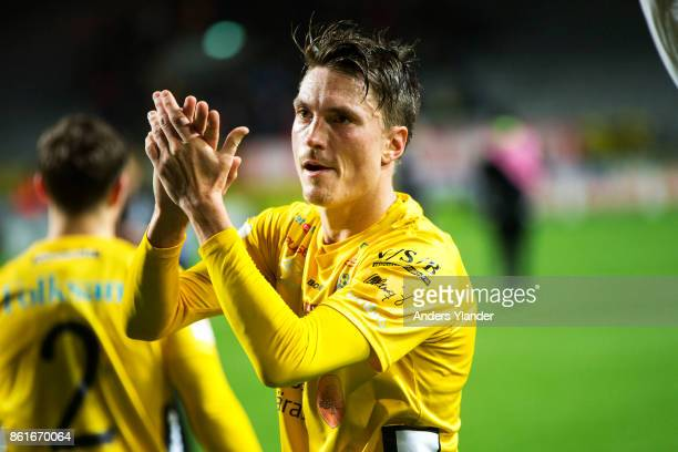 Lasse Nilsson of IF Elfsborg cheers to the fans after his team´s victory the Allsvenskan match between IF Elfsborg and GIF Sundsvall at Boras Arena...