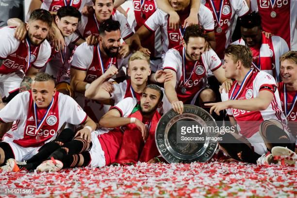 Lasse Schone of Ajax Carel Eiting of Ajax Hakim Ziyech of Ajax Donny van de Beek of Ajax Frenkie de Jong of Ajax Matthijs de Ligt of Ajax Daley Blind...
