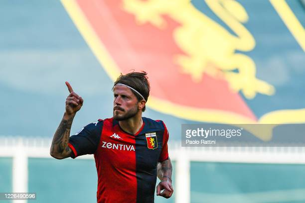 Lasse Schone of Genoa celebrates after scoring a goal on a free kick during the Serie A match between Genoa CFC and SPAL at Stadio Luigi Ferraris on...