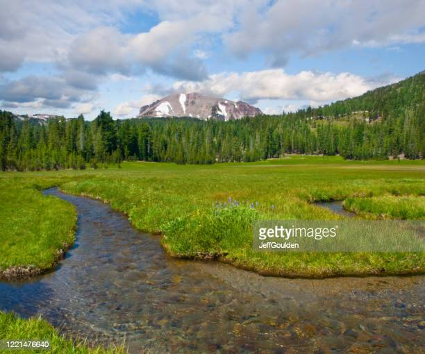 lassen peak and kings creek - jeff goulden stock pictures, royalty-free photos & images