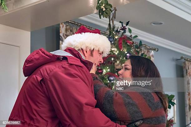 US Last Christmas Episode 110 Pictured Chris Sullivan as Toby Chrissy Metz as Kate