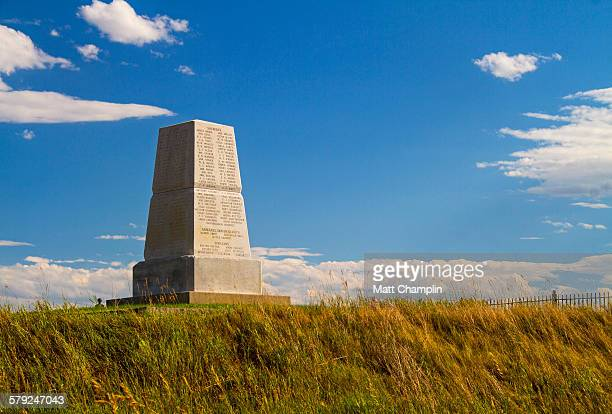 last stand hill at little bighorn battlefield - battle of little big horn stock photos and pictures