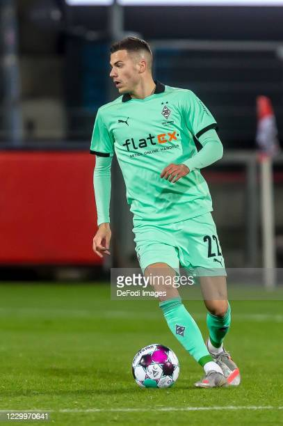 Laszlo Benes of Borussia Moenchengladbach controls the Ball during the Bundesliga match between Sport-Club Freiburg and Borussia Moenchengladbach at...