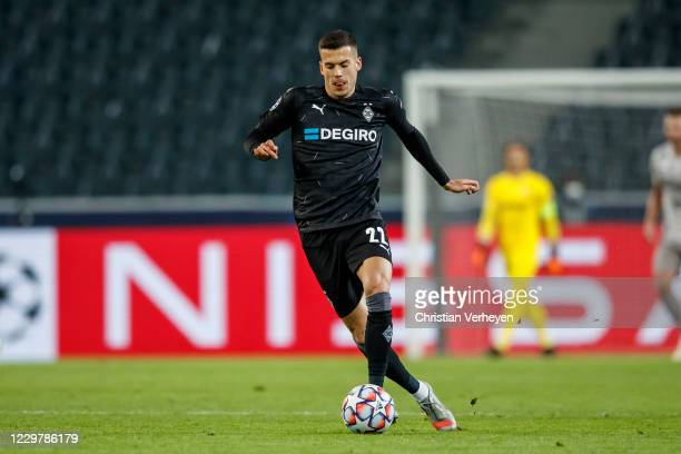 Laszlo Benes of Borussia Moenchengladbach in action during the Group B - UEFA Champions League match between Borussia Moenchengladbach and Shakhtar...