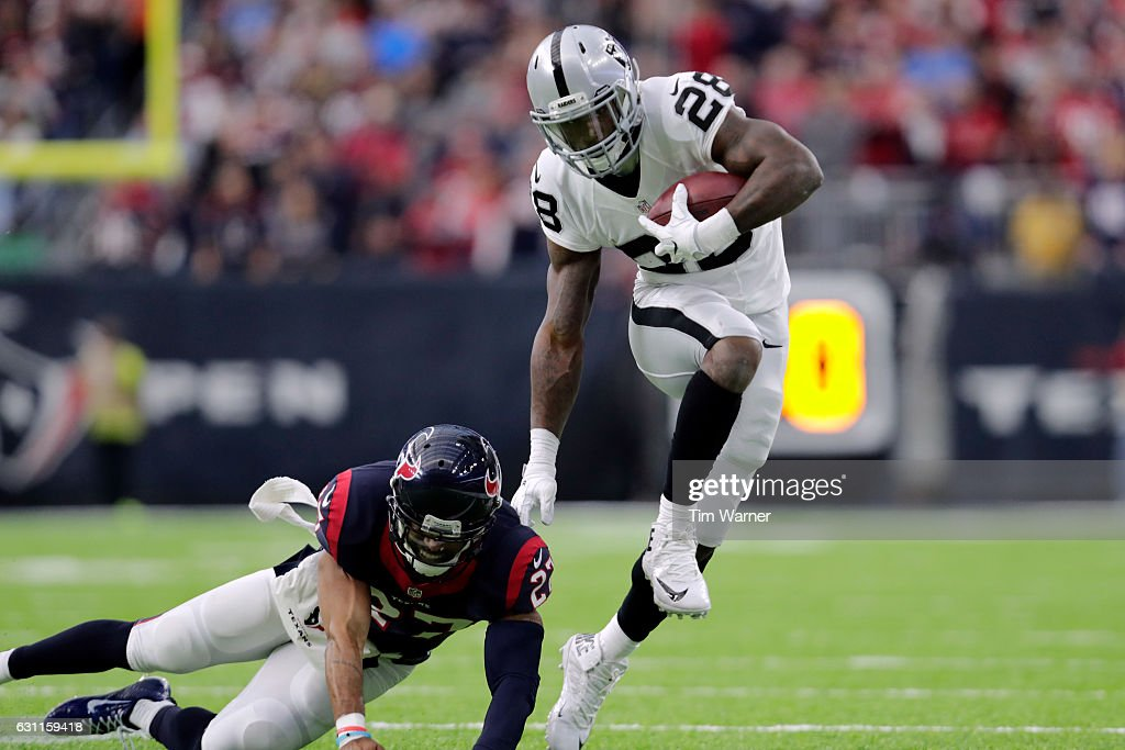 Wild Card Round - Oakland Raiders v Houston Texans : News Photo