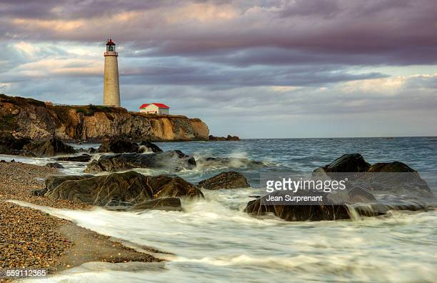 late afternoon cap-des-rosiers's lighthouse - cap des rosiers stock pictures, royalty-free photos & images