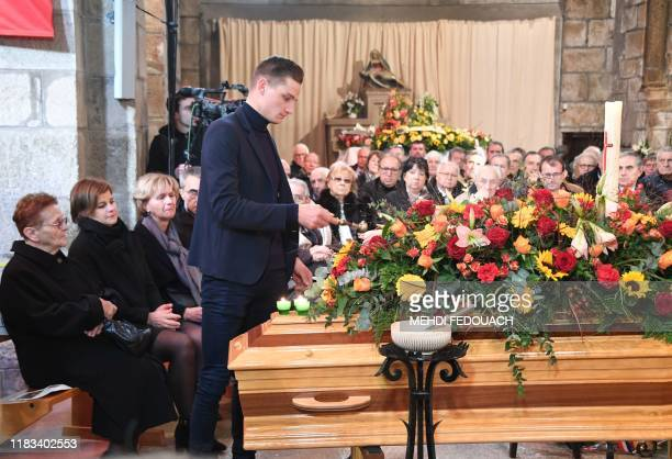 Late cyclist Raymond Poulidor's grandson Dutch cyclist Mathieu van der Poel his widow Gisele Poulidor and his daughter Corinne Poulidor attend the...