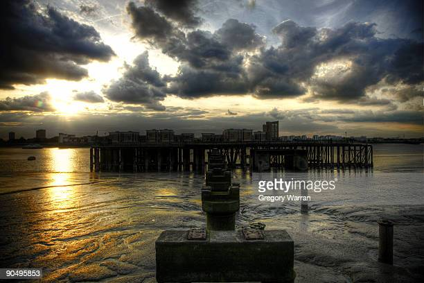 late of the pier - woolwich stock pictures, royalty-free photos & images