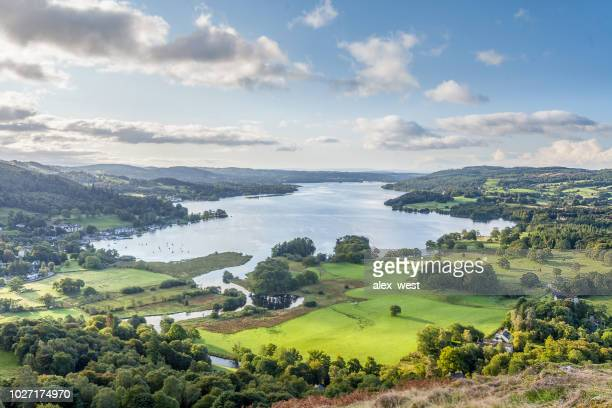 een late zomer engelse lake district weergave. - lake district stockfoto's en -beelden