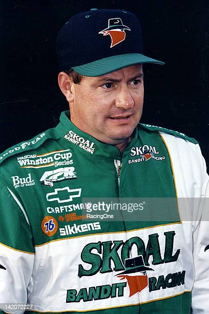 Ken Schrader drove Skoalsponsored Chevrolets on the NASCAR Cup circuit for owner Andy Petree from 1997 through 1999 The team made 99 starts and...