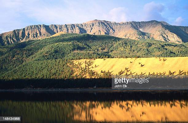 lateral moraine and wallowa lake. - vista lateral stock pictures, royalty-free photos & images