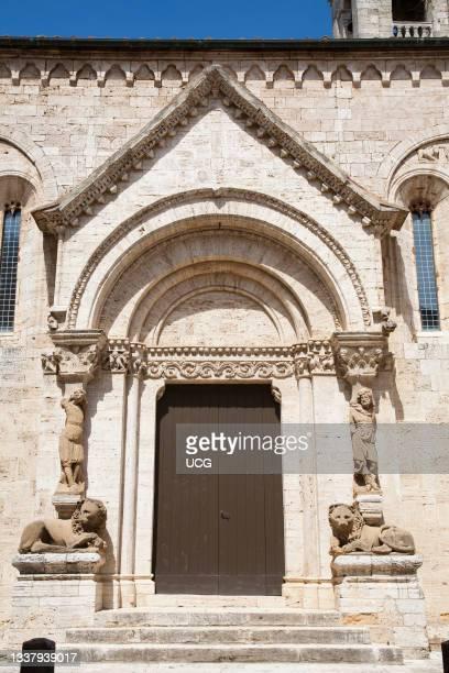 Lateral portal, Collegiata or Pieve di Osenna, San Quirico d' Orcia, Tuscany, Italy, Europe.