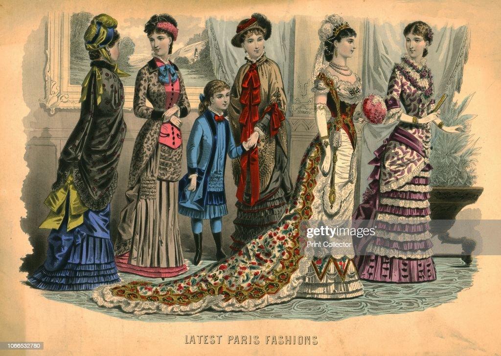 Latest Paris Fashions : News Photo