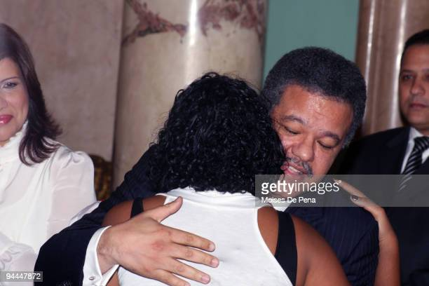 Latin American Idol Martha Heredia and President Leonel Fernandez during Latin American Idol's arrival to the Presidential Palace on December 14 2009...