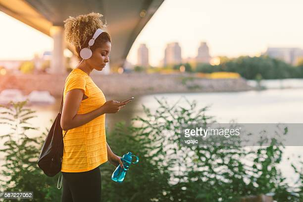 latina runner - gym bag stock pictures, royalty-free photos & images