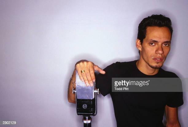 Latino singer Marc Anthony poses for a portrait at Sony Studios in New York City on Wednesday August 25 1999 Todd Plitt/Imagedirect*** SPECIAL