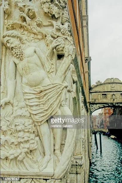 lato del palazzo ducale - italia stock-fotos und bilder