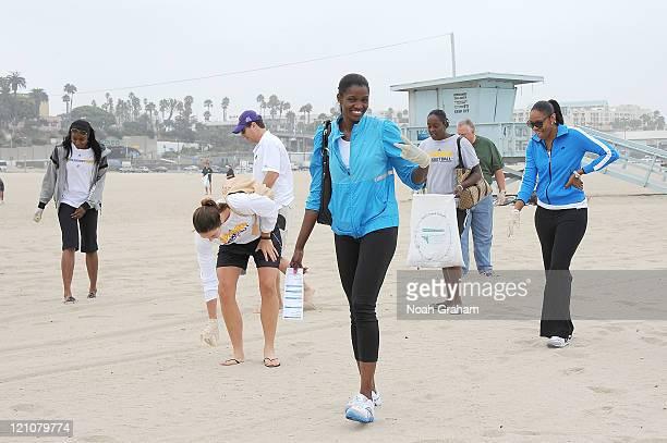 Latoya Pringle Jenna O'Hea DeLisha MiltonJones Ebony Hoffman and Tina Thompson of the Los Angeles Sparks join forces with Waste Management and Heal...